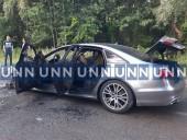 В Киеве вспыхнул автомобиль, когда его тестировали водитель и механик СТО - фото 1