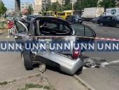 В результате ДТП на Оболони одну из машин отбросило на тротуар с людьми - фото 1