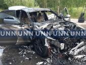 В Киеве вспыхнул автомобиль, когда его тестировали водитель и механик СТО - фото 7