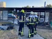 В Киеве сгорела дотла остановка. Предварительная причина - поджог - фото 6