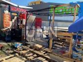 Отошел на минуту, а когда вернулся палатка с овощами пылала: в Киеве огонь уничтожил торговую точку - фото 5