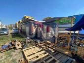 Отошел на минуту, а когда вернулся палатка с овощами пылала: в Киеве огонь уничтожил торговую точку - фото 3