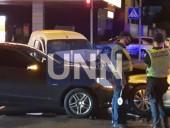 В Киеве пьяный водитель став виновником двойной ДТП: три человека госпитализированы - фото 1