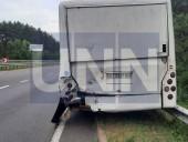 """Жуткая ДТП на Богатырской: водитель """"Газели"""" травмировал руку, а пассажир автобуса - голову - фото 10"""