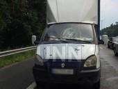 """На Бориспольском шоссе мужчина бросился под """"Газель"""" - фото 2"""