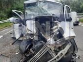 """Жуткая ДТП на Богатырской: водитель """"Газели"""" травмировал руку, а пассажир автобуса - голову - фото 2"""