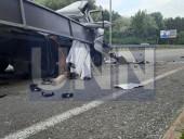 """Жуткая ДТП на Богатырской: водитель """"Газели"""" травмировал руку, а пассажир автобуса - голову - фото 5"""