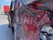В столице столкнулись легковушка и почтовый грузовик - фото 5