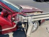 В столице столкнулись легковушка и почтовый грузовик - фото 2