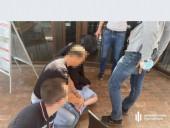 """Ссылался на влиятельные связи в ВР: аферист пытался """"продать"""" за 50 тысяч долларов должность в ГБР - фото 1"""