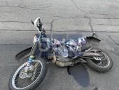 Получил переломы и ушибы: в Киеве Chevrolet 30 метров тащил на капоте курьера-мотоциклиста - фото 6