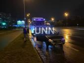 Ночная двойная авария в Киеве: грузовик влетел в легковушку - фото 5