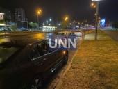Ночная двойная авария в Киеве: грузовик влетел в легковушку - фото 4
