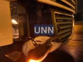 Ночная двойная авария в Киеве: грузовик влетел в легковушку - фото 8