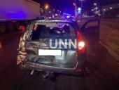 Ночная двойная авария в Киеве: грузовик влетел в легковушку - фото 6