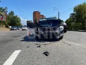 В Киеве беременная вместе с двумя маленькими детьми попала в ДТП - фото 2