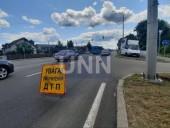 В Броварах водитель грузовика вылетел на встречную полосу и сбил мопед: как минимум один человек погиб - фото 1