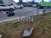 В Броварах водитель грузовика вылетел на встречную полосу и сбил мопед: как минимум один человек погиб - фото 4
