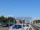 Неудачный маневр: на Житомирской трассе произошла масштабная ДТП с участием четырех легковых авто и бензовоза - фото 5