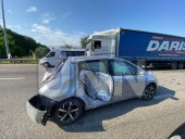 Неудачный маневр: на Житомирской трассе произошла масштабная ДТП с участием четырех легковых авто и бензовоза - фото 4