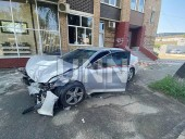 """Из-за столкновения автомобилей в столице - машины """"разбросало"""" в разные стороны - фото 7"""