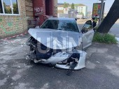 """Из-за столкновения автомобилей в столице - машины """"разбросало"""" в разные стороны - фото 1"""