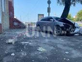 """Из-за столкновения автомобилей в столице - машины """"разбросало"""" в разные стороны - фото 5"""