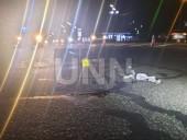 В столице автомобиль сбил девушку на пешеходном переходе - фото 2