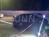В столице автомобиль сбил девушку на пешеходном переходе - фото 1