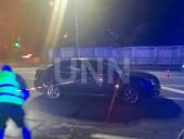В столице автомобиль сбил девушку на пешеходном переходе - фото 3