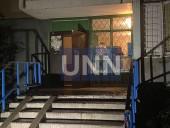 В Киеве женщина выпала из окна многоэтажки: подозревают убийство - фото 5
