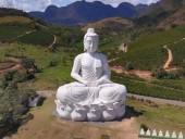 В Бразилии открыли статую Будды, которая выше статуи Христа в Рио-де-Жанейро - фото 1