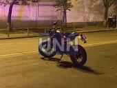 Растрощили троллейбус и плевали в полицейских: двое дебоширов наделали шума в центре столицы - фото 5