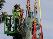 Судебное разбирательство длилось год: в США демонтировали статую американского генерала из-за расовой дискриминации - фото 1