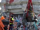 Судебное разбирательство длилось год: в США демонтировали статую американского генерала из-за расовой дискриминации - фото 2