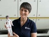 Европейское космическое агентство отправило в космос куклу Барби - фото 1