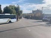 Полиция не зафиксировала серьезных нарушений правопорядка на акции, проходящей под домом Порошенко - фото 2