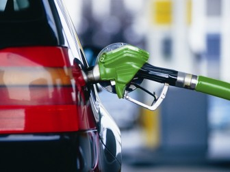 В березні ціни на бензин підвищуватись не будуть – експерт