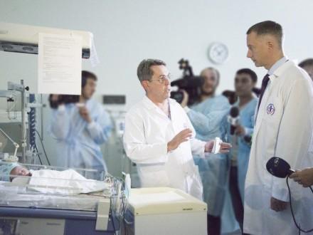 Фонд Бориса Ложкіна передав Центру дитячої кардіології медичне обладнання