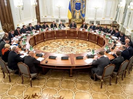 Порошенко: Засідання РНБО щодо введення санкцій відносноРФ відбудеться всереду