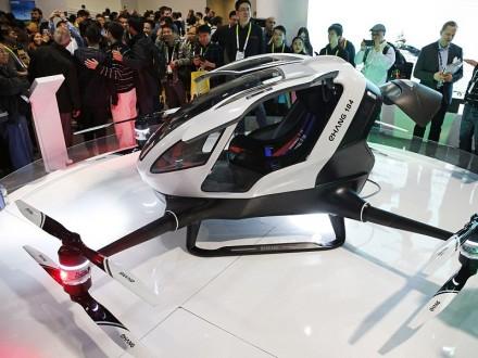 Китайська компанія представила перший пасажирський безпілотник