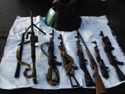 НаДонбасі СБУ виявила дві схованки зі зброєю