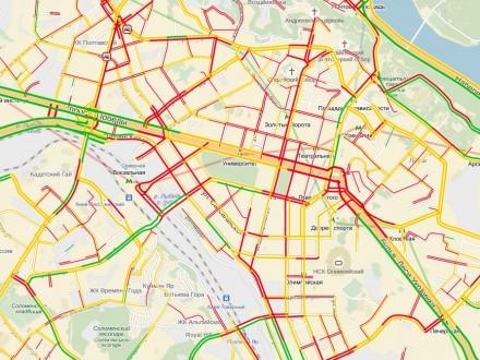 Снігопад уКиєві: місто паралізували пробки