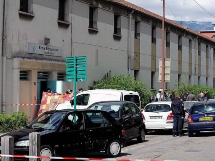 Во Франции два человека погибли после перестрелки возле школы