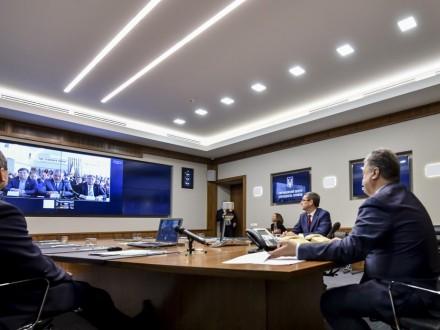 Порошенко повелел дать денежных средств навосстановление Донбасса