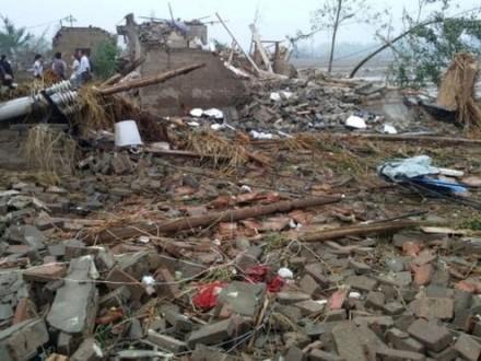 Из-за торнадо и ливня в Китае погиб 51 человек