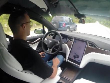 Автопилот Tesla Model Xспас жизнь шоферу