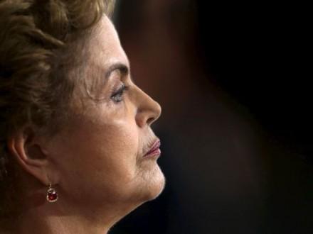 Сенат Бразилии отказался остановить процесс импичмента президента
