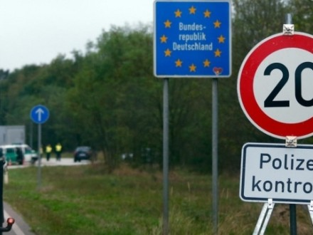 Германия защищается отмигрантов, усиливая контроль нашвейцарской границе