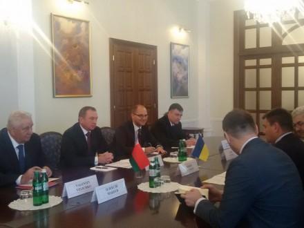 Руководитель МИД Республики Беларусь находится свизитом вКиеве